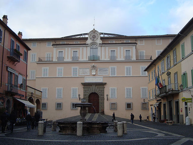 Visitare Castel Gandolfo: foto